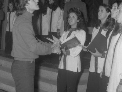 Presentación de coro y conjunto musical