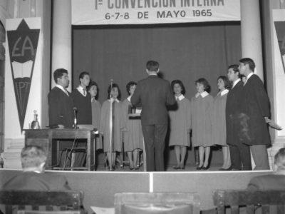 Presentación del Coro en la Primera Convención Internas de Escuelas de Aplicación anexas al IPT, mayo de 1965.