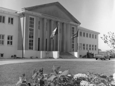 Escuela Industrial de Valdivia fundada en 1934. Se anexa a la UTE en 1952