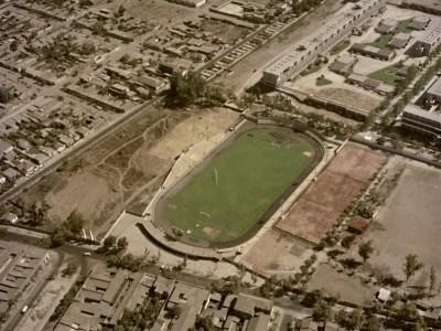 Vista aérea del Estadio UTE ubicado en la actual intersección de General Velásquez y Ecuador.