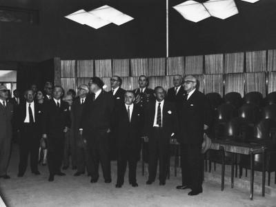 Visita de autoridades al edificio de la Casa Centra en inauguración Unidad Universitaria, Sala del Consejo (actual Salón de Honor), 1961