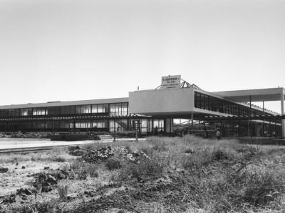 Escuela de Ingenieros Industriales. Guillermo Ledermann y compañía fue la constructora a cargo de la Unidad Universitaria