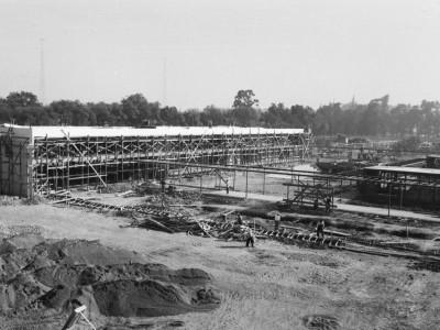 Vista exterior del edificio de administración del Instituto Pedagógico Técnico en etapa de construcción, 1960