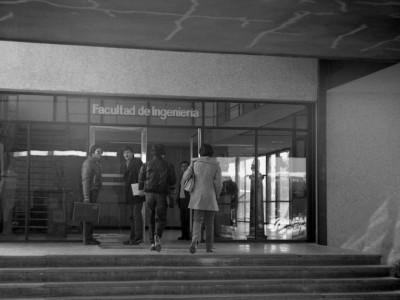 La Facultad de Ingeniería (ex Escuela de Ingenieros Industriales) se oficializa en 1972 durante la Reforma Universitaria