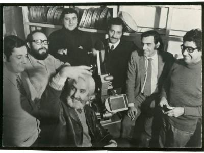Departamento de Cine y TV UTE. Jaime Ortiz, José Román, Juan Contreras, Antonio Montero y Rubén Soto, junto al director Fernando Balmaceda.