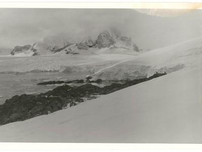 Filmación de documental en la Antártica del Departamento de Cine y TV UTE.