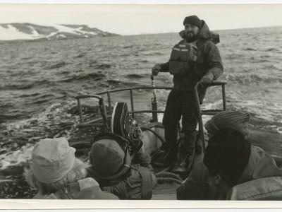 Rubén Soto y José Román durante filmación de documental en la Antártica.