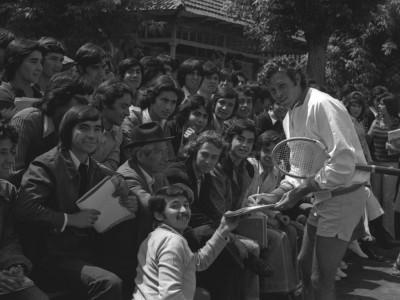Exhibición del tenista Jaime Fillol en Estadio UTE. 1973.