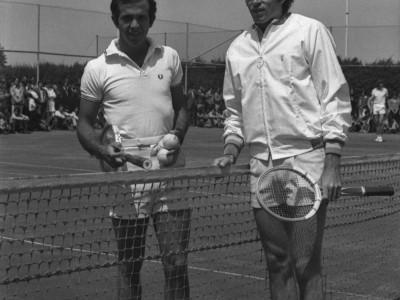 Exhibición del tenista Jaime Fillol y Francisco Javier Musalem en Estadio UTE. 1973.