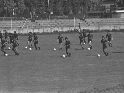 Práctica deportiva en Estadio UTE, 1976.