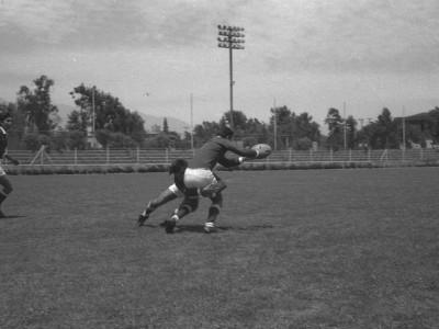 Práctica de rugby en Estadio UTE. Fecha desconocida.