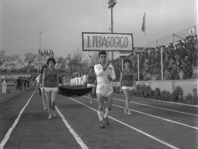 Delegación Instituto Pedagógico Técnico en 1°Olimpiada Universitaria UTE. 1965.