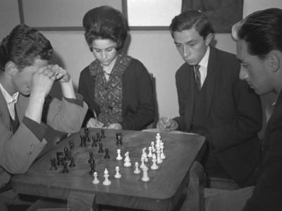 Competencia de ajedrez. 1°Olimpiada Universitaria UTE. 1965.