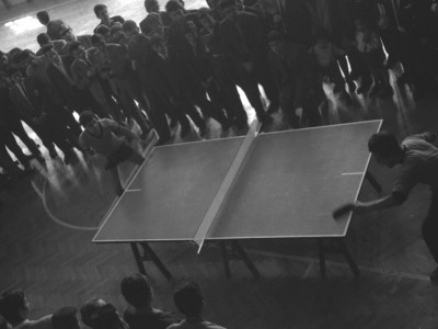 Competencia de tenis de mesa. 1°Olimpiada Universitaria UTE. 1965.