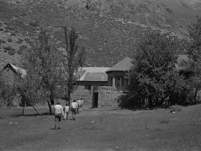 Refugio de la rama de andinismo de la universidad en Lo Valdés. 1974.