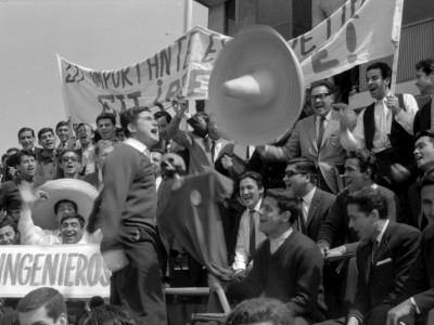 Público asistente a 1°Olimpiada Universitaria UTE. 1965.