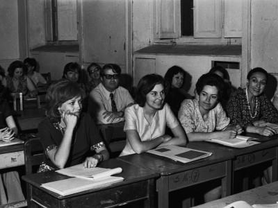 Escuelas de Temporada para funcionarias y funcionarios de la UTE. 1975.