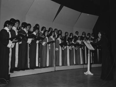 Coro Química Industrial. 1974.