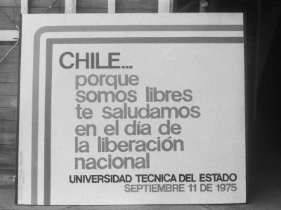 Cartel conmemorativo a dos años del Golpe Cívico- Militar. 11 de septiembre de 1975.
