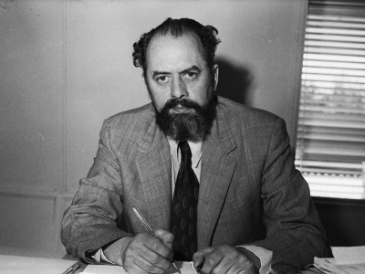 Vicerrector de Extensión y Comunicaciones, Roberto Escobar Budge. 1976.