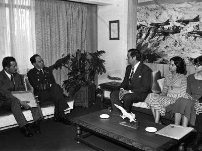 Reunión entre Rector delegado de la UTE Eugenio Reyes Tastets y el General Gustavo Leigh. Fecha desconocida.