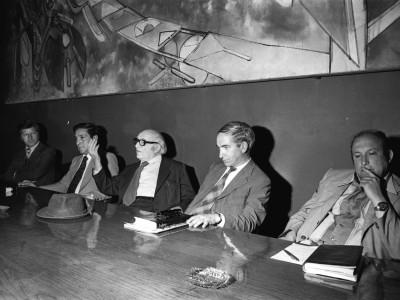 Charla del historiador de la ciencia Desiderio Papp. Fecha desconocida.