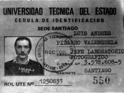 Cédula de identificación de Luis Pizarro, Jefe de Laboratorio Fotográfico UTE. Fecha desconocida.