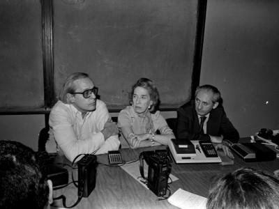 Ruth Hoffman, Bruce Vogeli y Jaime Michelow. Conferencia de prensa uso calculadoras en educación básica y media. Fecha desconocida.