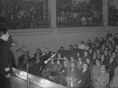 Ministro de Educación Contralmirante Hugo Castro Jiménez en la EAO. 1974.