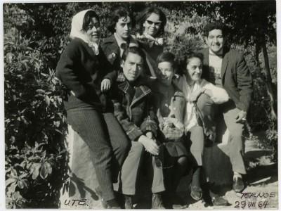 Parte del elenco Teatro Teknos en gira al norte del país. 1964. (Donación Juan Quezada)