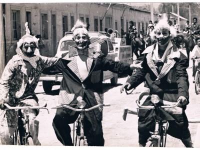 Payasos del Circo Minero de Copiapó. De izquierda a derecha: Dick Saa, Alfredo Bown y Tomás Ireland. Fecha estimada: década del 50. (Donación de Tomás Ireland)
