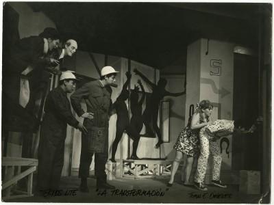 """Obra """"La transformación"""" del Teatro Teknos. Sin fecha. (Donación Juan Quezada)"""