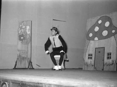 """Obra """"Los grillos sordos"""", del Teatro Teknos. Sin fecha."""