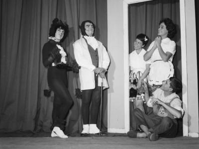 """Obra """"El árbol solo"""" del Teatro Teknos. 1964."""