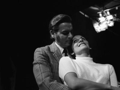 """Osvaldo Lagos y Maité Fernández, parte del elenco del Teatro Teknos en obra """"Heroica de Buenos Aires"""". Sin fecha."""
