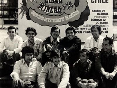 Diseñadores gráficos del Taller Vía Pública UTE. Santiago, 1972. (Donación de Mario Navarro).