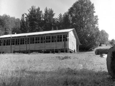 Escuela construida por estudiantes de la UTE durante los trabajos voluntarios en la Provincia de Malleco, 1966