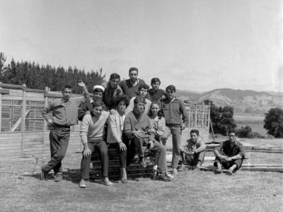 Estudiantes durante los Trabajos Voluntarios en la Provincia de Malleco, 1966.